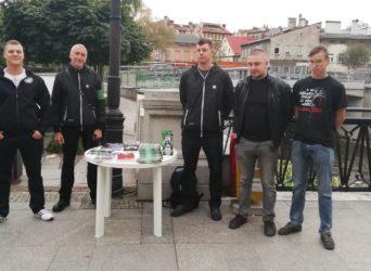 Bielsko-Biała: Akcja informacyjna – stoisko ONR-u